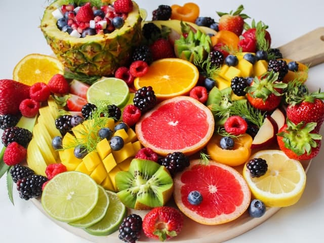 Fresh Fruit With Fruit Rack Covers