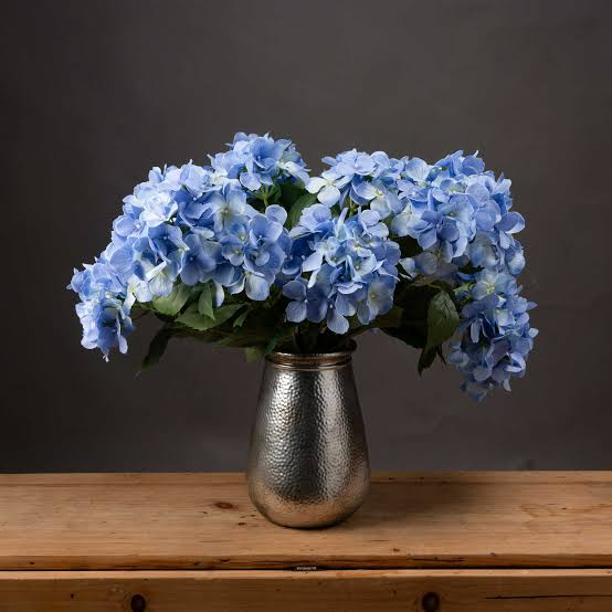 how to decorate your home with Hydrangea Bouquet