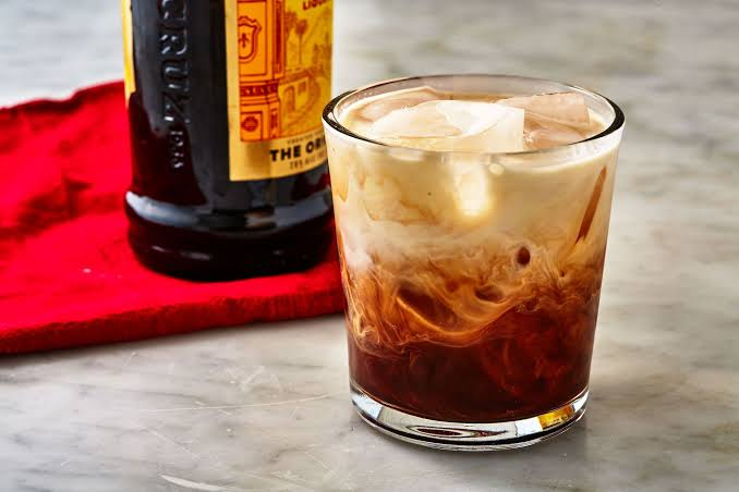 The ways of processing White Russian cocktail